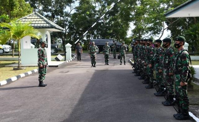Kasdam I BB Kunjungan Perdana ke Makorem, Ini Pesannya kepada Prajurit dan Persit Korem 033 WP