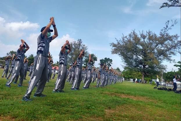 Taruna dan Taruni Angkatan LXVII Tahun 2020 Bersama Prajurit Lantamal IV Jaga Kebugaran Fisik, Sebelum Praktek Pelayaran