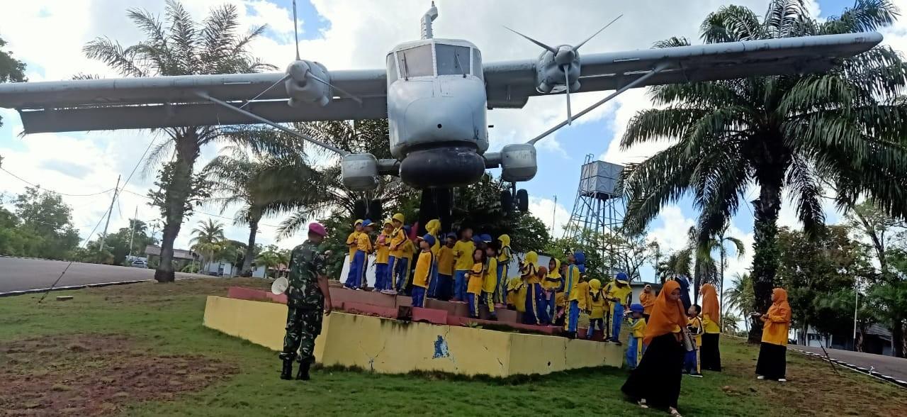 Ingin Tahu Tentang TNI AL, Anak-anak Raudhatul Athfal Aisyah Kunjungi Lantamal IV
