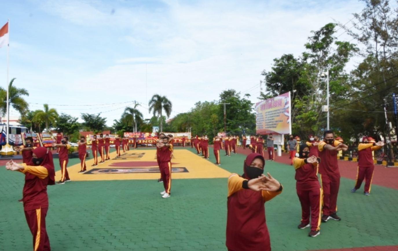 Jaga Kesehatan Agar Tetap Bugar, Personel Polres Tanjungpinang Senam Bersama